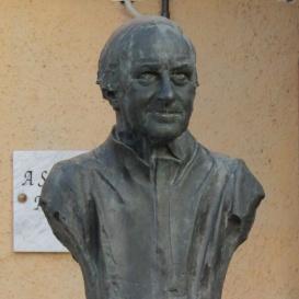Hermann Gmeiner-mellszobor