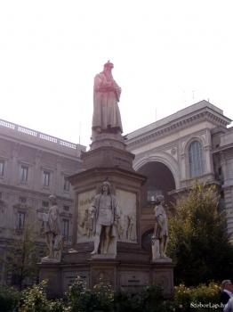Leonardo da Vinci szobra