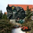A II. világháború tápéi áldozatainak emlékműve