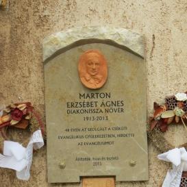 Marton Erzsébet Ágnes emléktáblája.