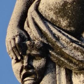 Melpomené-szobor