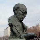 Bibó István mellszobra