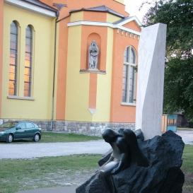 Emlékmű Dorog város 20 éves jubileumára