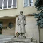 Méhész-szobor