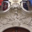 A Pálffy-palota homlokzatának domborművei