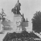 Bartha Miklós szobra
