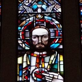 A Városmajori Jézus Szíve Plébániatemplom szentélyablaka