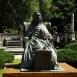 Erzsébet román királyné szobra