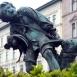 Csirkefogó-szobor