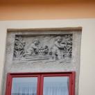Az egykori Dangl Lipót-féle ház domborművei