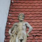 A kolozsvári Bánffy-palota díszítőszobrai