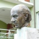 Illyés Gyula portrészobra