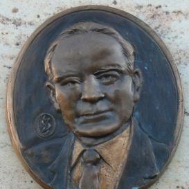 Dr. Gyarmati István emléktáblája