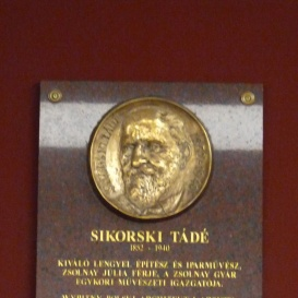 Sikorski Tádé-emléktábla