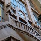 Az egykori Párizsi Nagyáruház homlokzati szobrai
