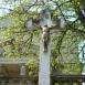 Feszület a váli római katolikus templom előtt