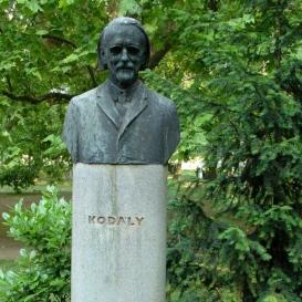 Kodály Zoltán mellszobra