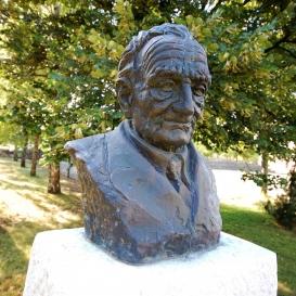 Szent-Györgyi Albert mellszobra