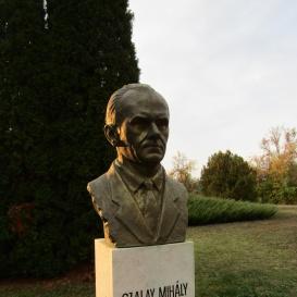 Szalay Mihály-mellszobor