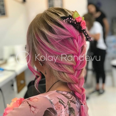 Touch Hair Fashion