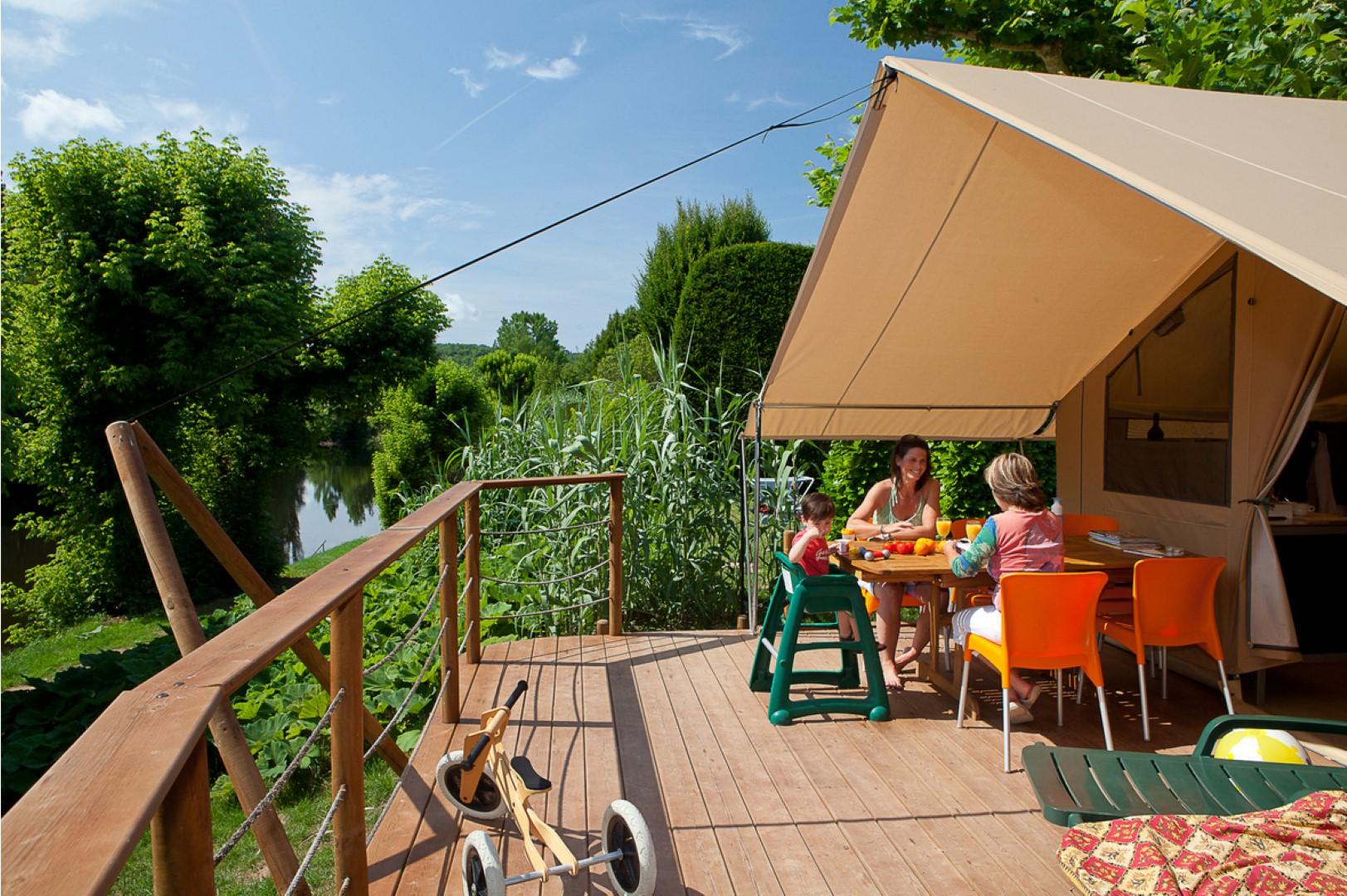 luxe camping kids vakantiegids. Black Bedroom Furniture Sets. Home Design Ideas