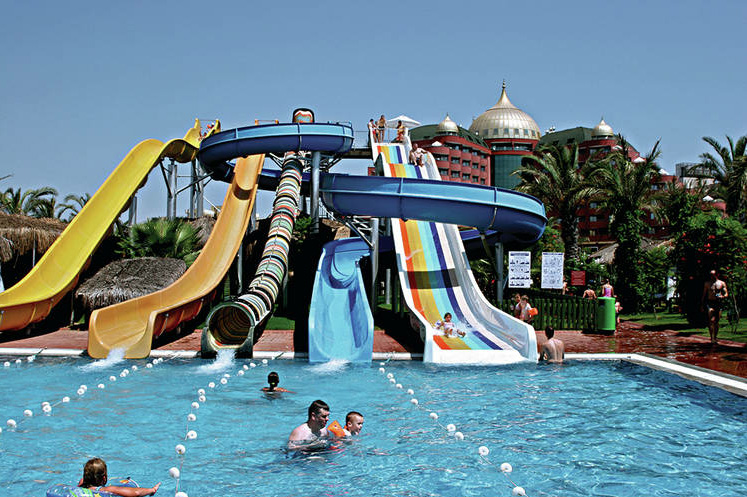 Kindvriendelijk Delphin Palace Met De Kinderen Op