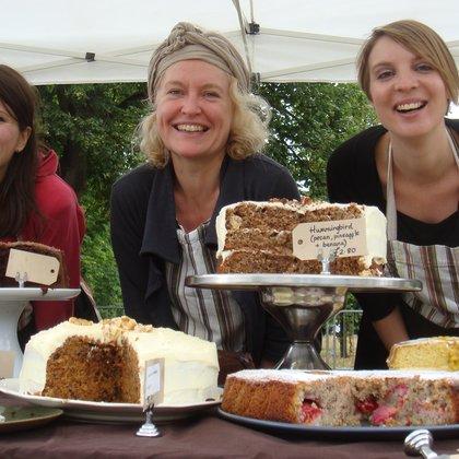 2009 Susan Broom and team cake