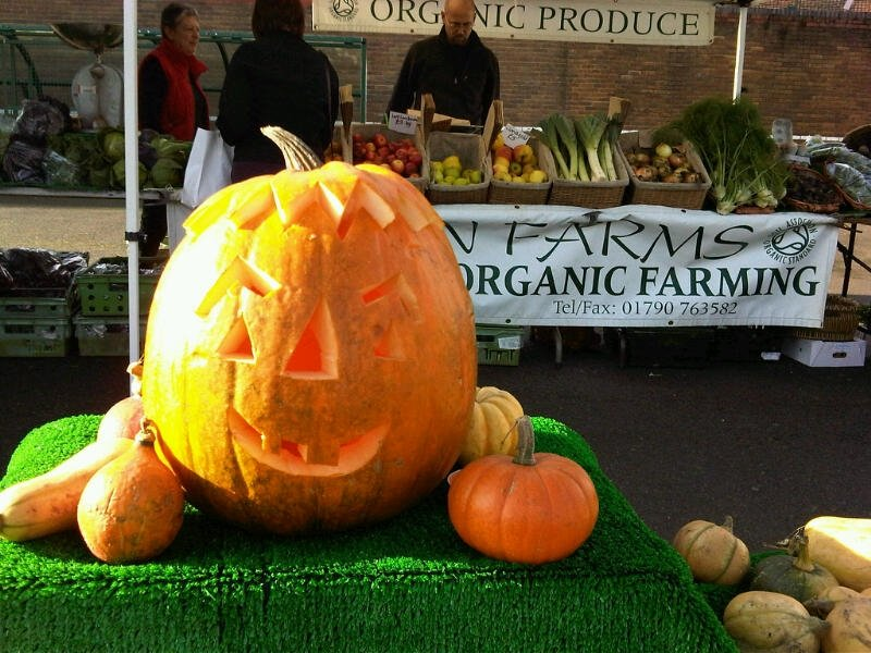 Eden farm squash display and carved oct 2010