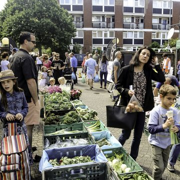 Ransomes Dock farmers market