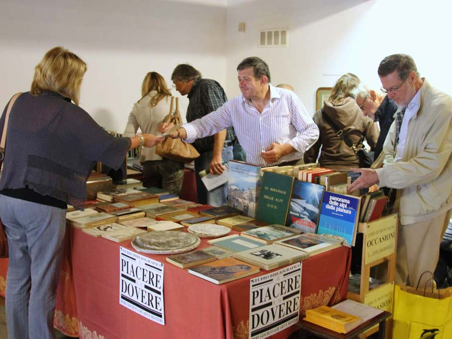 Interno Mostra libri antichi a Verrès