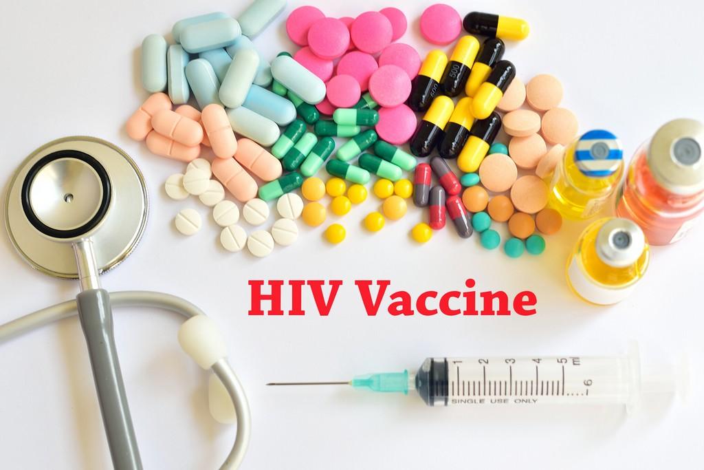 Успех вакцины против COVID-19 поможет в борьбе с ВИЧ