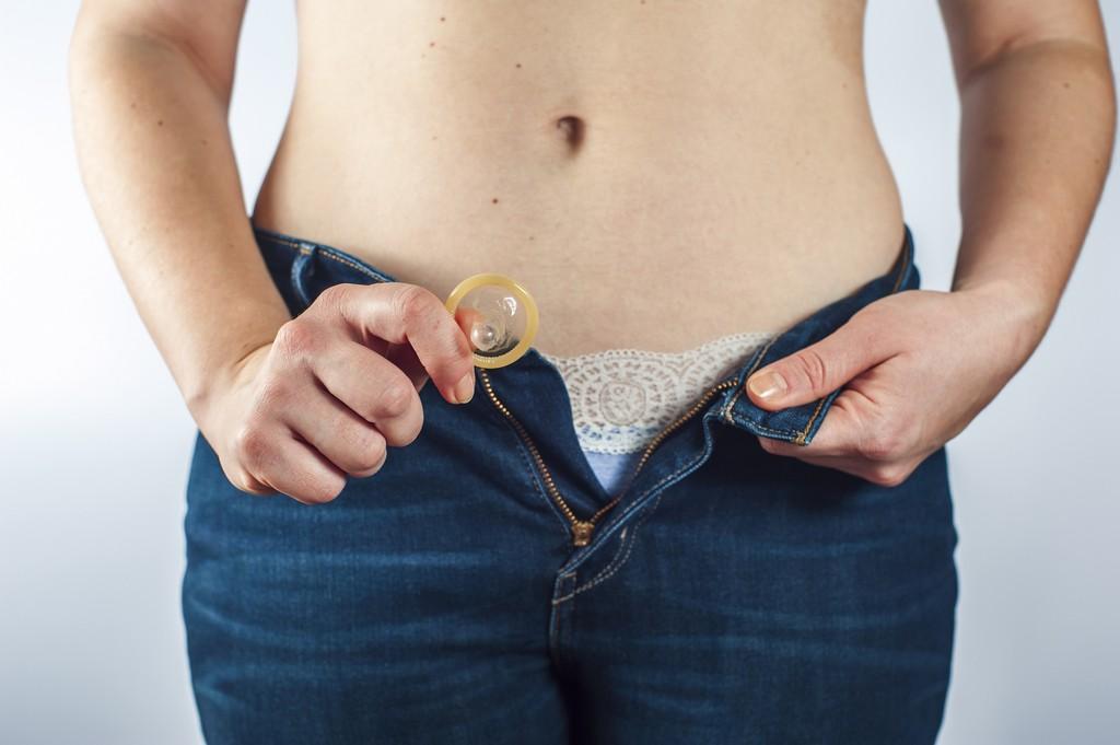 «Занимайтесь сексом, спасайте жизни»: Durex выпустил презервативы (PRODUCT)RED - изображение 1