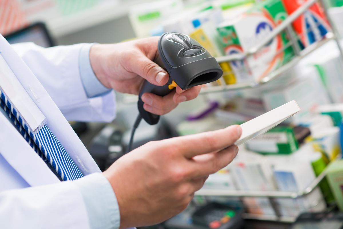 СПИД-центры отрицают проблему с недостатком тестов и дорогих препаратов