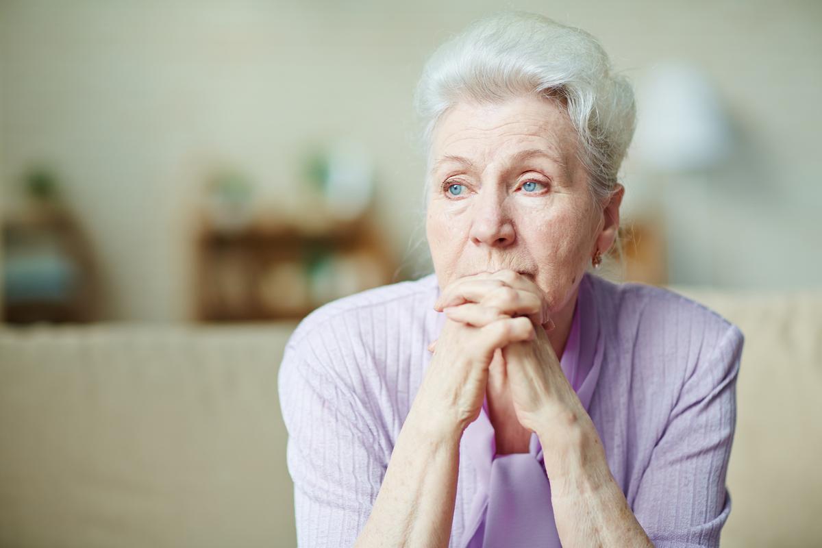 64% пожилых людей с ВИЧ чувствуют себя одинокими