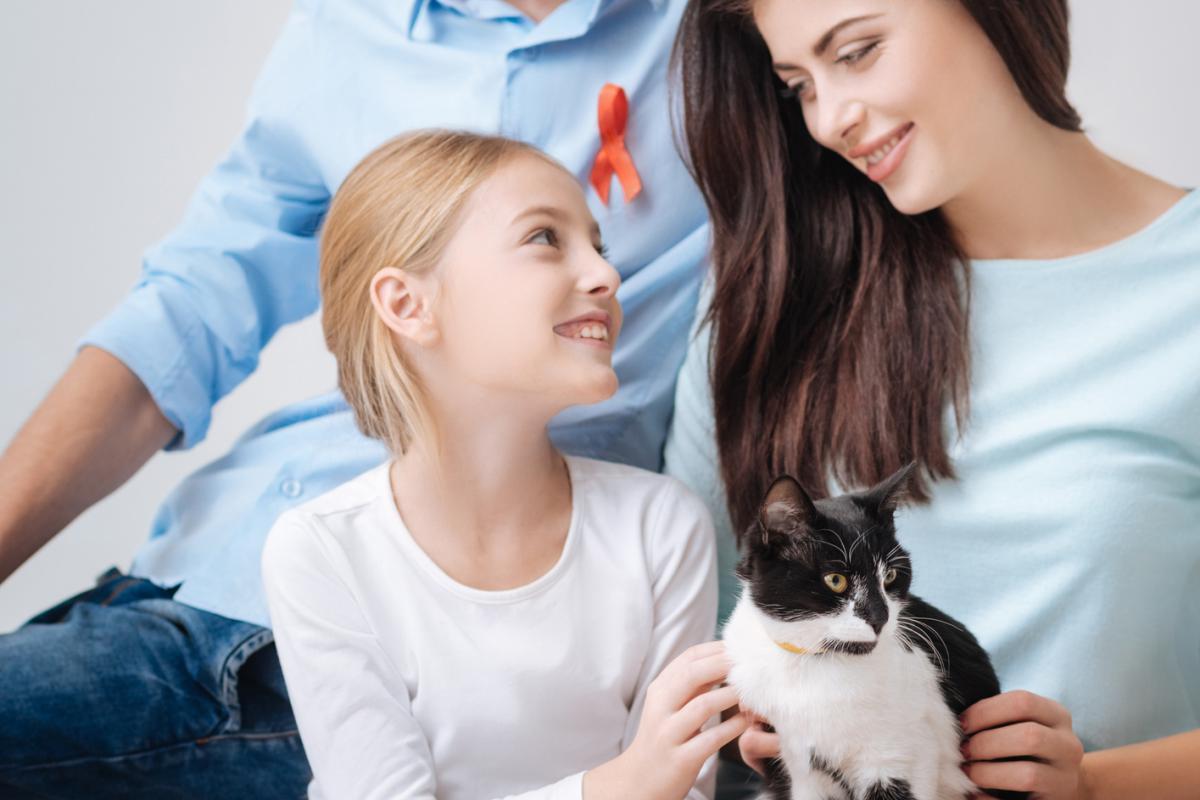 Минздрав не успел подготовить документ о праве людей, живущих с ВИЧ, на усыновление - изображение 1