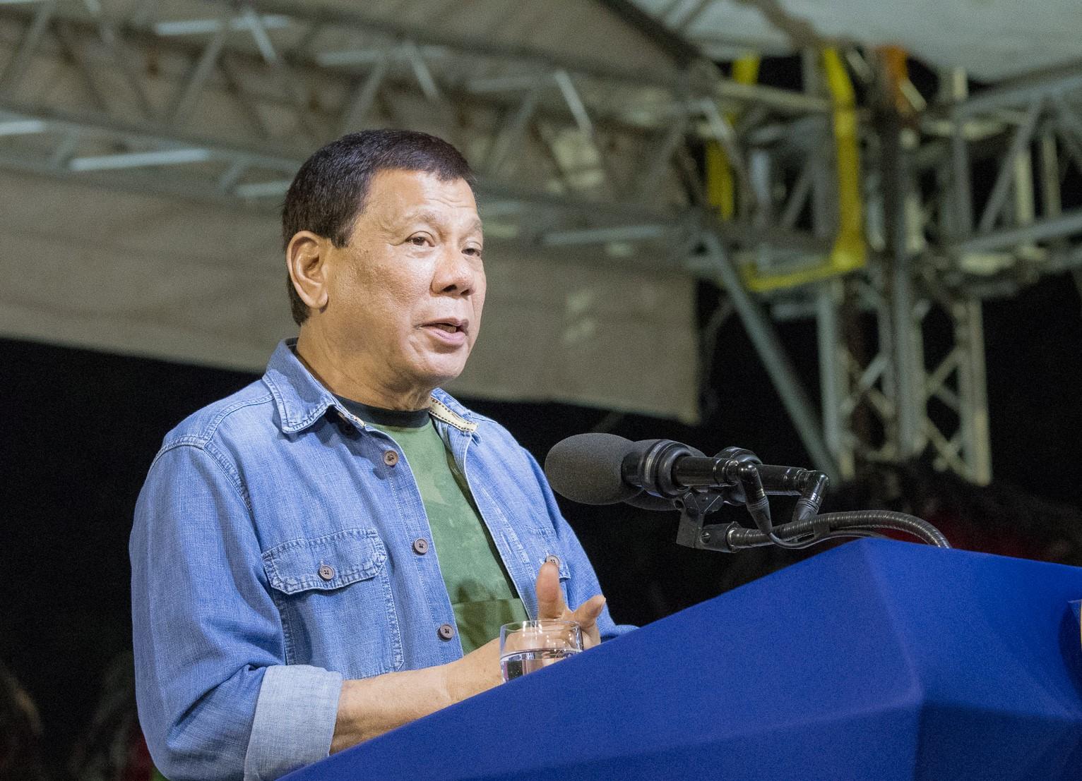 Philippine President advises against using condoms
