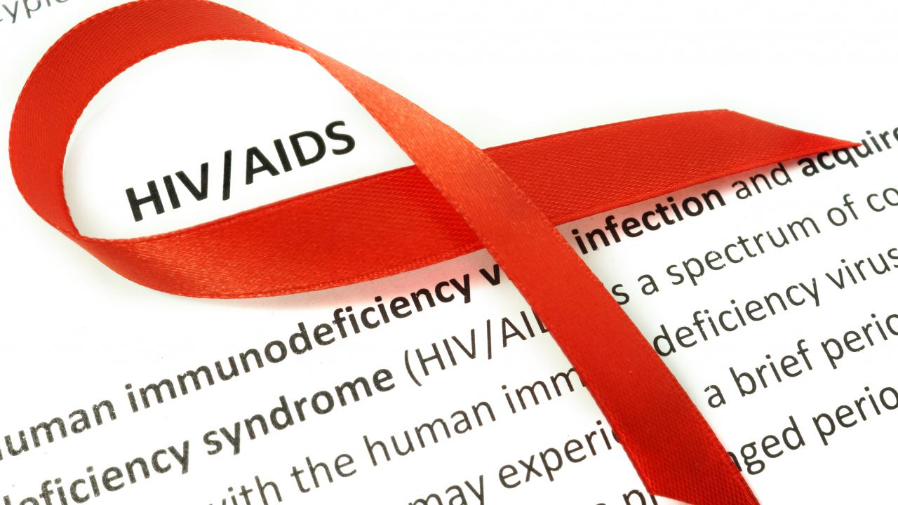 РАН приняла решение создать Комиссию по противодействию эпидемии ВИЧ - изображение 1