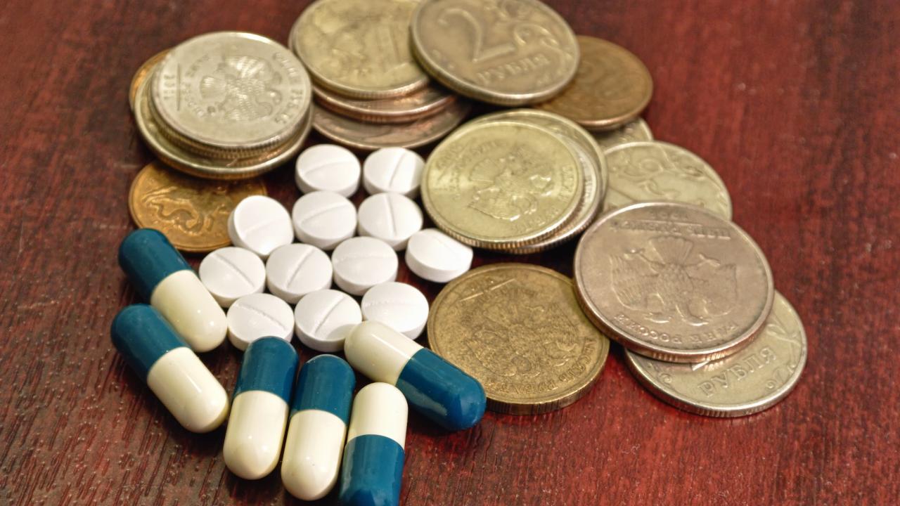 Минздрав: Ведомству впервые удалось снизить стоимость некоторых АРВ-препаратов
