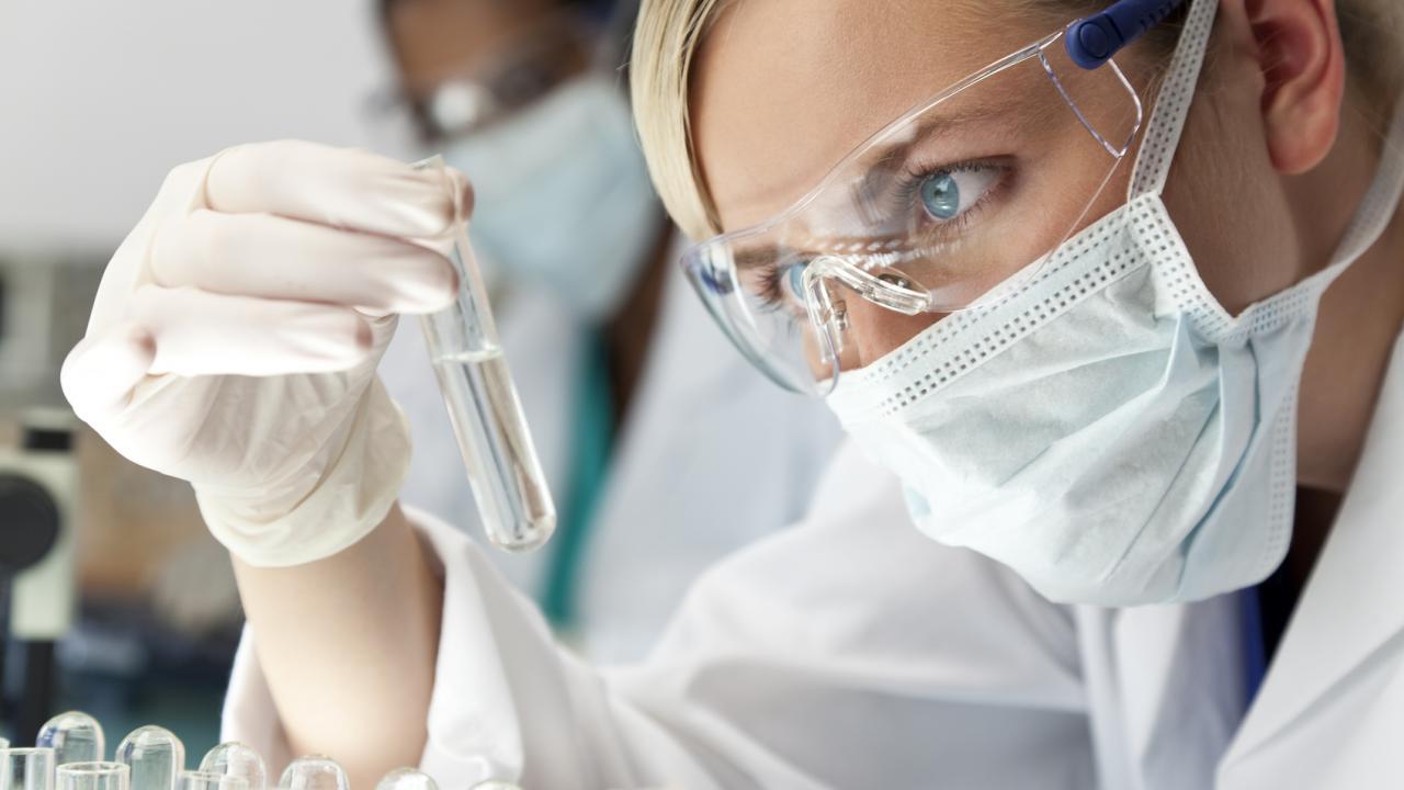 Препарат на основе антител снизил виремию у ВИЧ-инфицированных пациентов