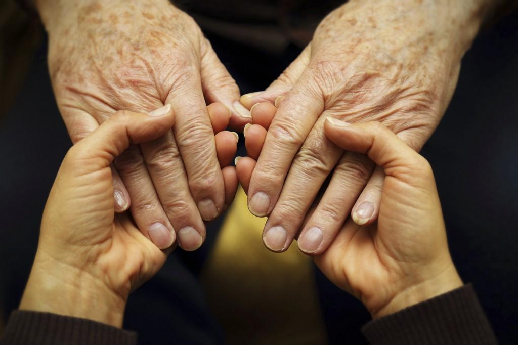 Эксперт: Система социальной помощи пожилым людям с ВИЧ должна быть пересмотрена - изображение 1
