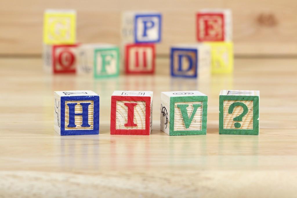 ВОЗ: данных о повышенном риске COVID-19 для людей с ВИЧ нет - изображение 1