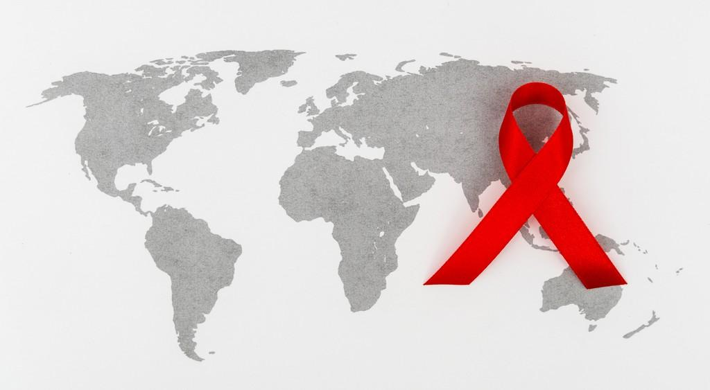 ЮНЭЙДС и ПРООН призвали отменить связанные с ВИЧ транзитные ограничения
