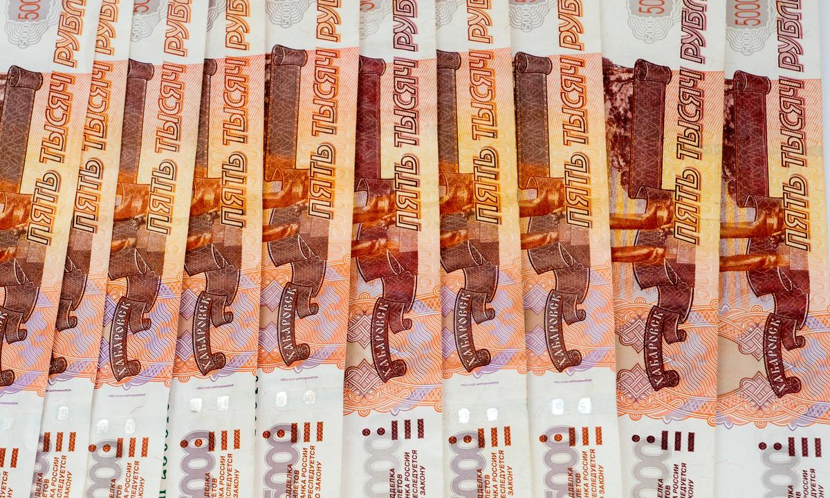 С начала года Минздрав закупил АРВ-препаратов почти на 10 млрд рублей - изображение 1