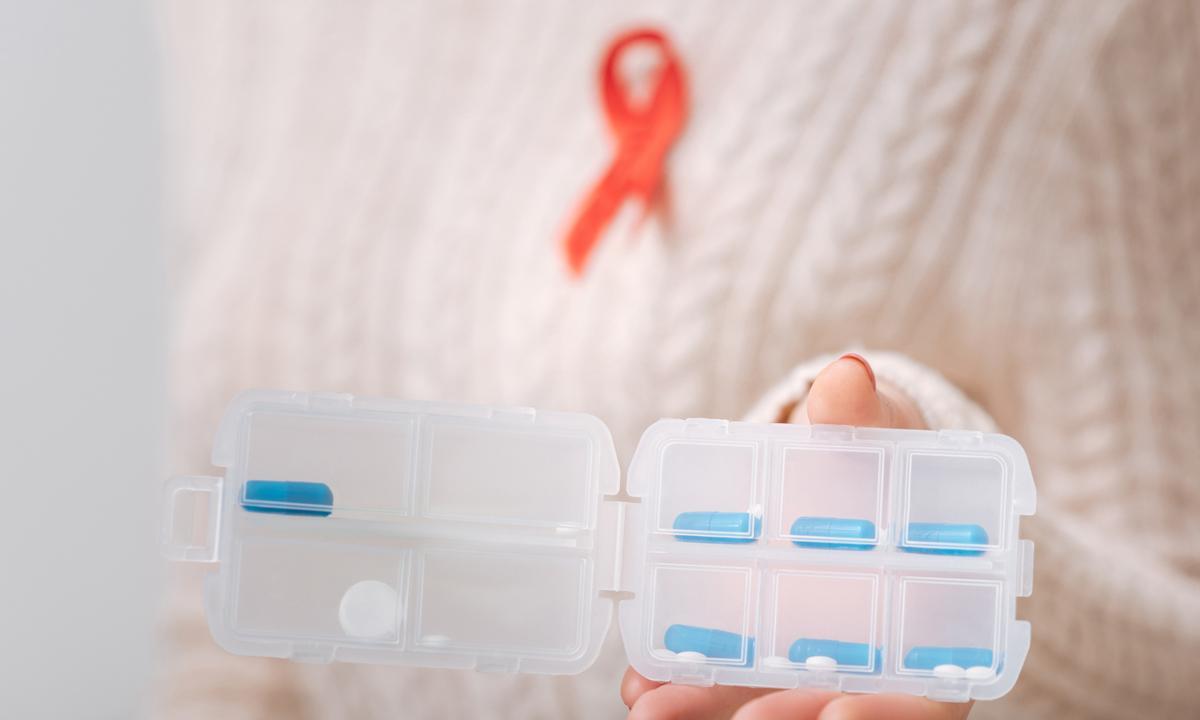 Раннее начало АРВ-терапии практически не повышает риск резистентности