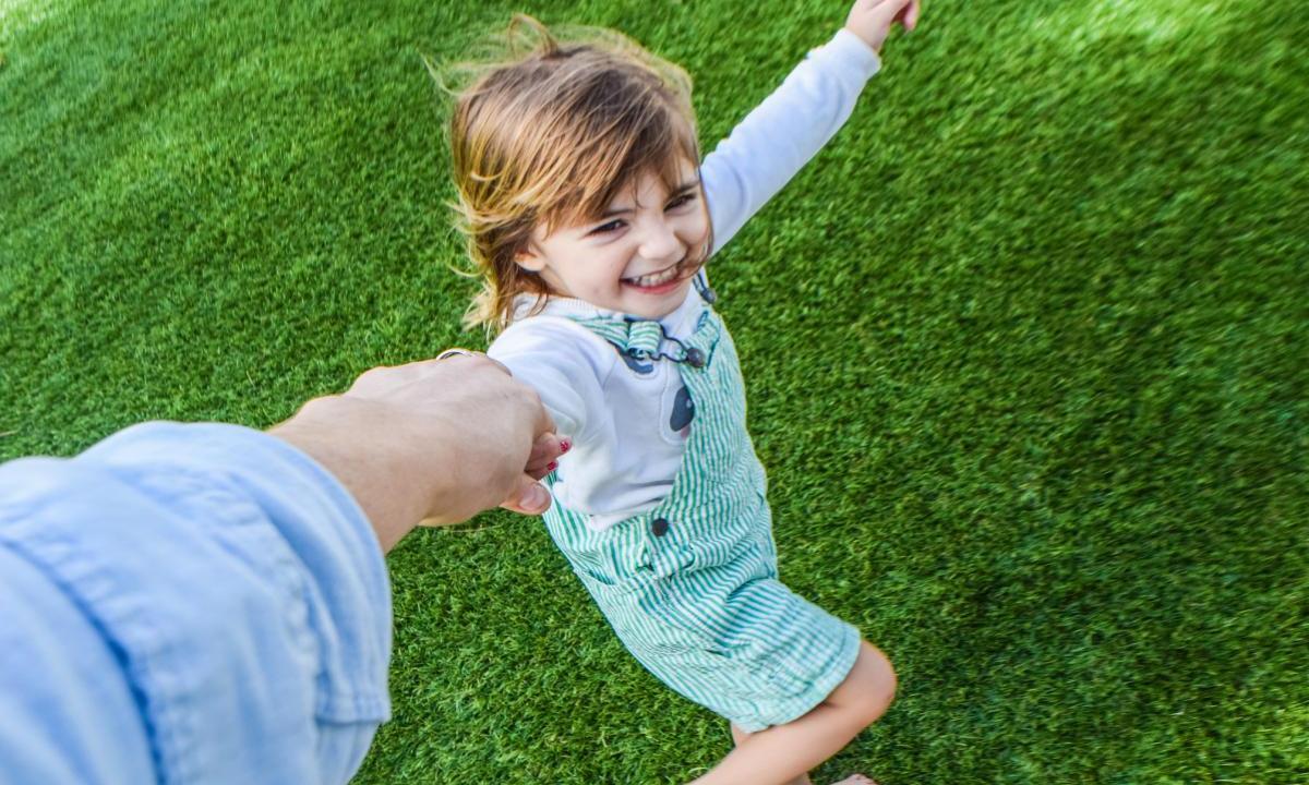 Правкомиссия поддержала законопроект об усыновлении детей ВИЧ-позитивными - изображение 1