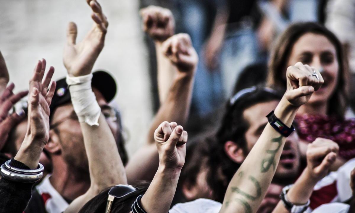 Пациенты и врачи выступили против реорганизации Центра СПИД в Ереване
