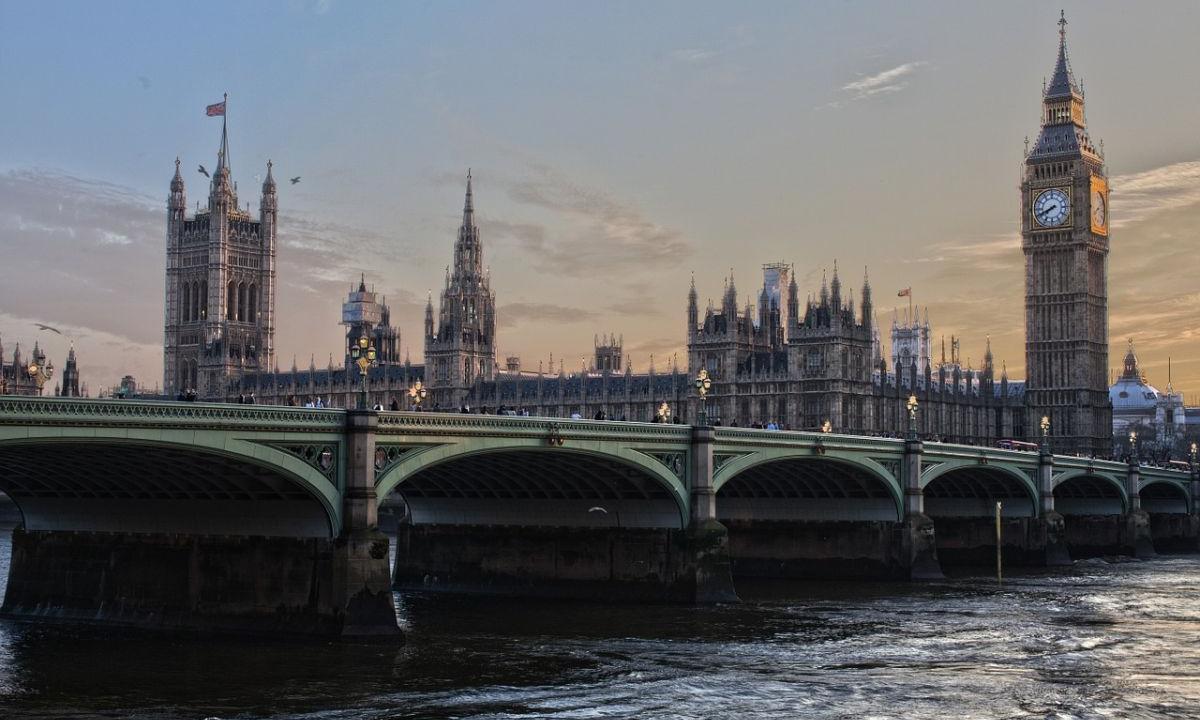 В Британии число новых случаев ВИЧ упало на 18% - изображение 1
