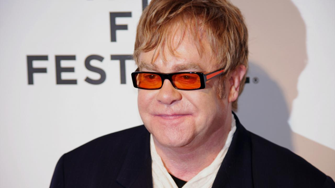 Elton John Named Harvard Humanitarian of the Year - photo 1