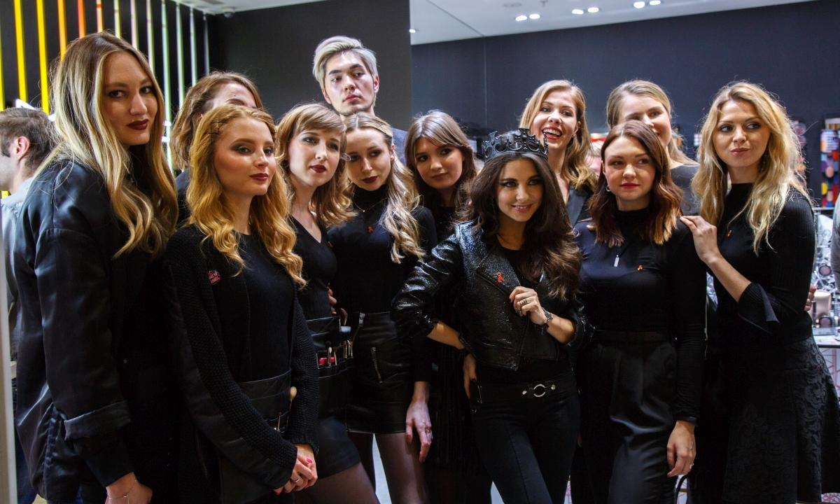 Фонд «Шаги» и M·A·C Cosmetics провели в Москве совместную акцию по борьбе с распространением ВИЧ - изображение 1