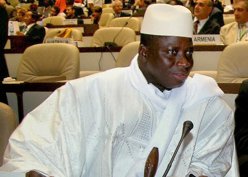 Как президент Гамбии «лечил» ВИЧ-положительных людей травами имолитвами